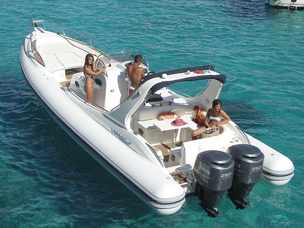 Bateau pneumatique semi rigide avec cabine hors bord bi moteur avec bain de s - Pneumatique semi rigide ...