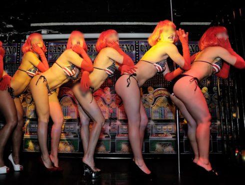 Les spectacles du club l'Absolu...