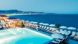 la-terrasse-hotel-radisson-blu-Rooftops Côte d'Azur cannes tendances Rooftops nice Rooftops cannes Rooftops monaco
